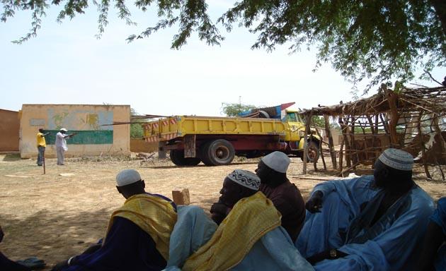 Facilitar una educación de calidad mediante la dotación de material didáctico y escolar, y la mejora de las infraestructuras educativas y de saneamiento en el pueblo de Loboudou, Senegal