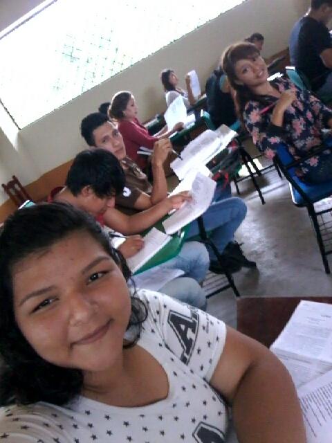 Apoyo con becas de estudio en Sucumbíos (2015-2016)