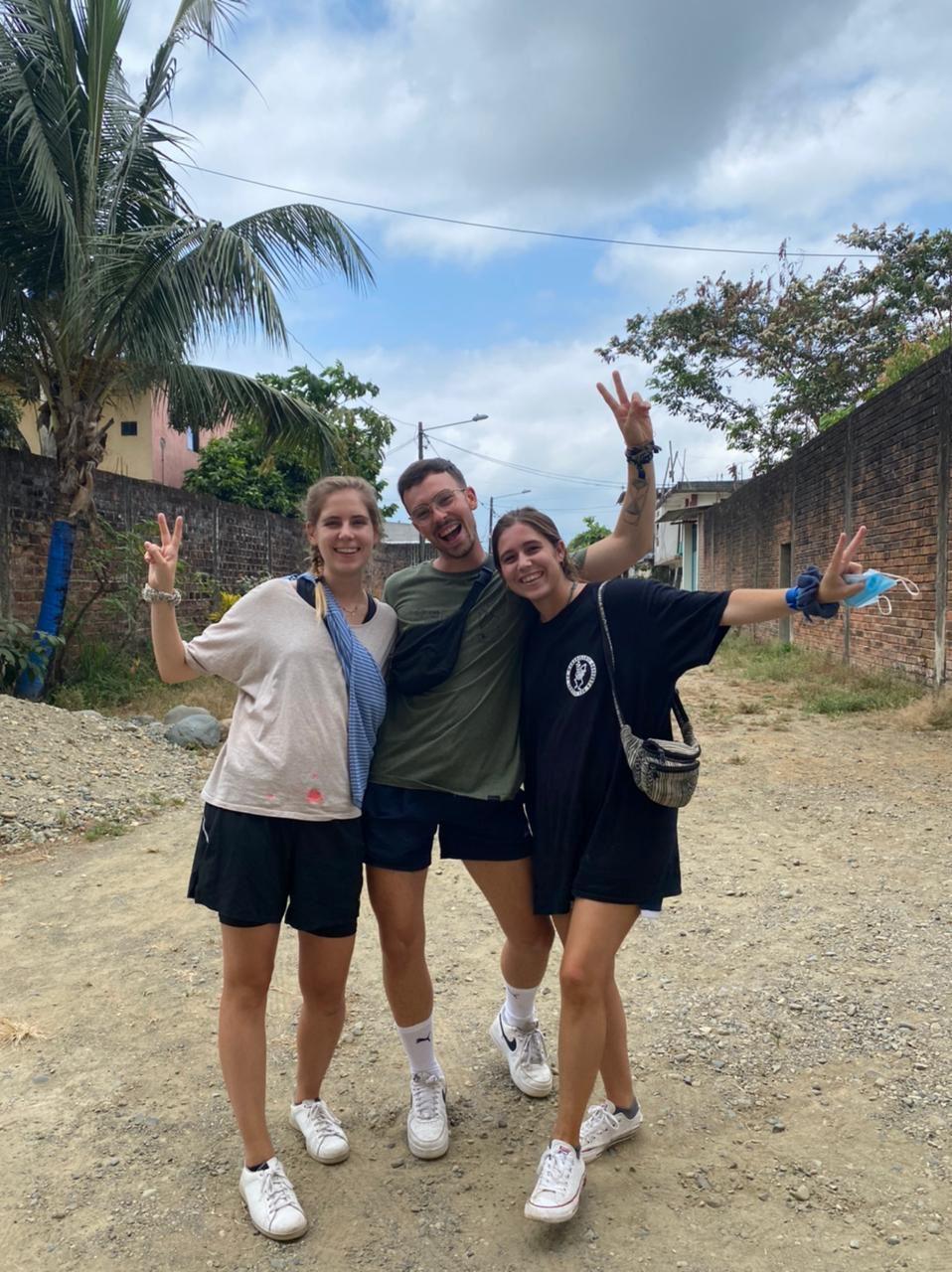 Nuevo grupo inicia su experiencia de voluntariado internacional con Huauquipura
